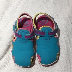 Stride rite water shoe 9m turquoise euc